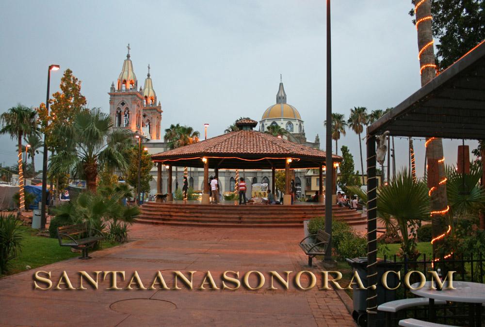 Plaza Zaragoza in Santa Ana Sonora, Mexico