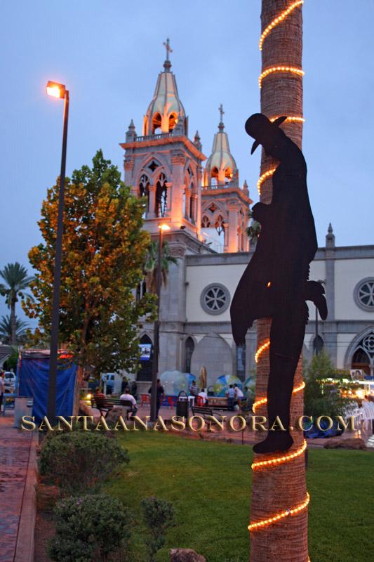 Plaza Zaragoza en Santa Ana Sonora Mexico